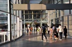 Bangkok, Thailand: Ingang aan Centrale Wereld Stock Afbeeldingen