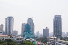 Bangkok, Thailand - 21. Januar 2019: Bürogebäude unter Smog in Silom und in Sathorn-Bezirk, Bangkok stockfotografie