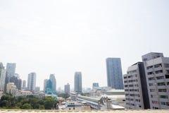 Bangkok, Thailand - 21. Januar 2019: Bürogebäude unter Smog in Silom und in Sathorn-Bezirk, Bangkok lizenzfreies stockbild