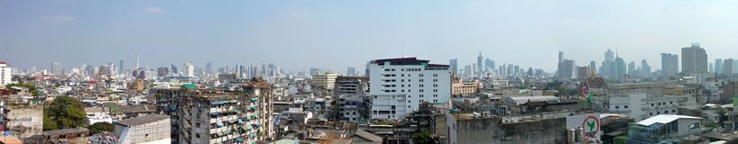 Bangkok Thailand - Januari 3, 2015: Bangkok panoramautsikt från byggnad i porslinstad Royaltyfri Fotografi