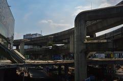 Bangkok Thailand: Januari 29, 2017 tunnelbanastationen BTS, konstruktionen av tunnelbanastationen arkivfoto