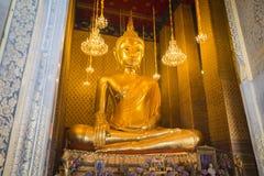 Bangkok Thailand - Januari 02, 2016: Wat Kalayanamitr har Royaltyfri Foto