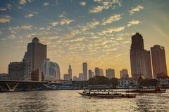 BANGKOK THAILAND - JANUARY 14 :  beautiful scenic of chaopraya r Stock Photos