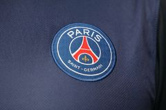BANGKOK, THAILAND - 14. JULI: Das Logo von Paris Daint Germain Foo Stockfoto
