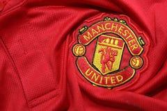 BANGKOK THAILAND - JULI 12: Logoen av Manchester United Footb Royaltyfri Fotografi