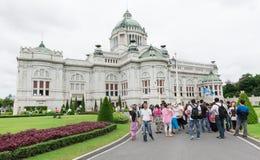 BANGKOK, THAILAND - 21. Juli 2015: Menge von Touristen im Anant Stockbild