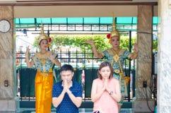 BANGKOK THAILAND -20 JULI 2014: Unknow folk med hinduism r Royaltyfria Bilder