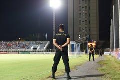 BANGKOK THAILAND-JUN 28: Säkerhetspolis i handling under cet Royaltyfri Fotografi