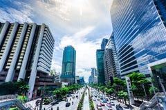 Bangkok Thailand Juni 2017, Chong Nonsi himmel går på stationen för bkkhimmeldrevet på den Silom linjen Royaltyfri Bild