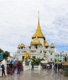 Bangkok, Thailand - Juni 28, 2015: De Tempel van Boedha van Wat Trimitr in Bangkok Royalty-vrije Stock Afbeeldingen
