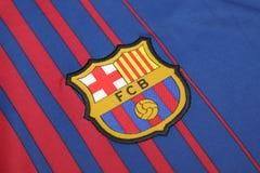 BANGKOK, THAILAND - JUNI 26: : het embleem van de voetbalcl van Barcelona Stock Fotografie
