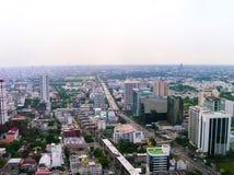 Bangkok Thailand - Juni 29, 2008: Panorama av nära den Petchburi vägen Arkivbilder