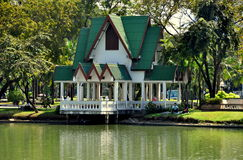 Bangkok, Thailand: Lumphini Park Lakeside Pavilion Royalty Free Stock Photos