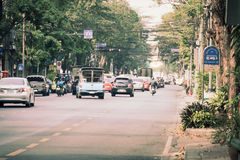 Bangkok, Thailand - 2. März 2017: Ansicht des Verkehrs rot und grün Lizenzfreies Stockfoto