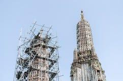 BANGKOK, THAILAND - 14. MÄRZ 2015: Die Wiederherstellung repariert ein tem Lizenzfreie Stockbilder