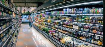 BANGKOK, THAILAND - 18. MÄRZ: Verschiedenes importiertes und inländisches alco Lizenzfreie Stockfotos