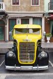 Bangkok, Thailand - Maart 31, 2018: Voorzijde van Antieke Dodge-Vrachtwagen Stock Fotografie