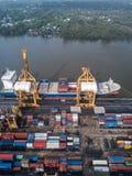 Bangkok, Thailand - 13. Mai 2017: Aerail-Trieb von Bangkok-Hafen Stockbilder
