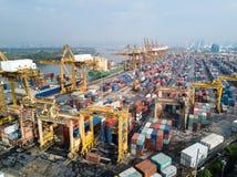 Bangkok, Thailand - 13. Mai 2017: Aerail-Trieb von Bangkok-Hafen Lizenzfreie Stockfotos
