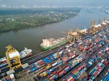 Bangkok, Thailand - 13. Mai 2017: Aerail-Trieb von Bangkok-Hafen Lizenzfreies Stockfoto