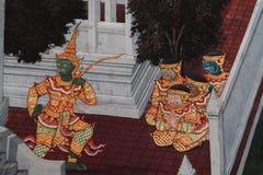 Bangkok, Thailand - 18. Mai 2019: Die Wandmalereien Ramakian Ramayana entlang den Galerien des Tempels Emerald Buddhas, lizenzfreies stockfoto