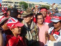 Bangkok Thailand - 03 14 2010 Maj Gen Khattiya Sawasdipol, wijd als is zij wordt bekend Daeng aanwezig bij een Rood Overhemdenpro Royalty-vrije Stock Foto's
