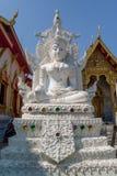 BANGKOK THAILAND, MARS 06, 2018: Härlig utomhus- sikt av vita buddha Arkivbild