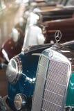 BANGKOK THAILAND - MARS 1, 2017: retro mercedes för tappning som bilar parkerar i Jesada bilmuseum Arkivbild