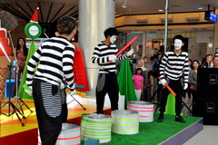 Bangkok, Thailand: Mimes Performing at Terminal 21 Royalty Free Stock Photos
