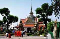 Bangkok, Thailand: Monks at War Arun Royalty Free Stock Images
