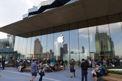 Bangkok, Thailand, 13 November, 2018: buiten Apple-opslagloo royalty-vrije stock fotografie