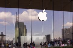 Bangkok, Thailand, 13 November, 2018: buiten Apple-opslagloo stock fotografie