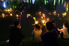 Bangkok Thailand 6 november 2014 - Loy krathong festival at lump Royalty Free Stock Photos