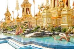 Bangkok Thailand - November 04, 2017; Någon tillagd struct Arkivfoto