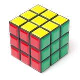 Bangkok, Thailand - 11. November 2017: Rubiks Würfel 44 ist schwierig für Spiel aber für Gehirn gut stockfotos