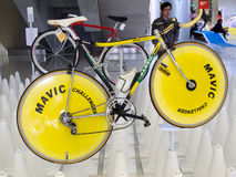 Bangkok, Thailand - November 23, 2012: Uitstekende fiets BASSO met MAVIC-schijfwielen Stock Afbeelding
