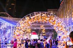 BANGKOK, THAILAND - NOVEMBER 21, 2017: Vrolijke Kerstmis en Gelukkig Stock Afbeelding