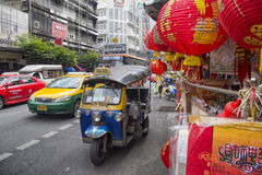 BANGKOK, THAILAND-OCTOBER 26TH 2013: Traffic on Yaowarat road in Royalty Free Stock Photo