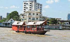 BANGKOK, THAILAND - OCTOBER 2, 2016: Famous and celebrated tourist attraction with dinner or lunch on the Chao Phraya River. BANGKOK, THAILAND - OCTOBER 2, 2016 Royalty Free Stock Photos
