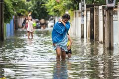 BANGKOK, THAILAND - OCTOBER 14 : Flooding in Din Daeng District. After the heaviest rains in 20 years in Bangkok on October 14, 2017 Royalty Free Stock Photo