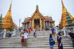 BANGKOK THAILAND OCTOBER 3-tourist take a photograph at grand palace Royalty Free Stock Images