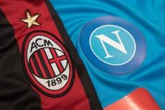 BANGKOK, THAILAND - 18. OKTOBER: Das Logo von AC Mailand und von Napol FO Stockfoto