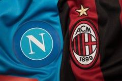 BANGKOK, THAILAND - 18. OKTOBER: Das Logo von Napoli und von AC Mailand f Lizenzfreies Stockfoto