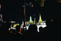 BANGKOK THAILAND - Oktober 14,2016: Det thailändska folket deltar i till Graen Royaltyfri Bild