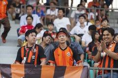 BANGKOK THAILAND OKTOBER 5: Fan av det Bangkok FC laget under fot Fotografering för Bildbyråer