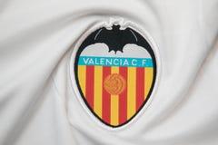 BANGKOK THAILAND - OKTOBER 18: Logoen av Valencia fotbollcl Royaltyfria Foton
