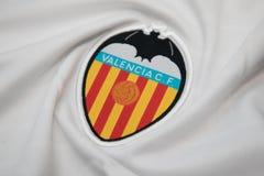 BANGKOK THAILAND - OKTOBER 18: Logoen av Valencia fotbollcl Royaltyfria Bilder