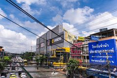 BANGKOK, THAILAND - OKTOBER 14.2017: Mening van Thaise vloed bij ratchada-Ladprao Road, opstopping Stock Foto's