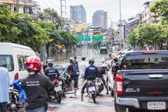 BANGKOK, THAILAND - OKTOBER 14: Overstroming in het District van DIN Daeng Royalty-vrije Stock Foto