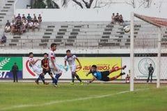BANGKOK THAILAND OKTOBER 5: Under fotbollsmatchen Bangkok FC vs Royaltyfri Foto